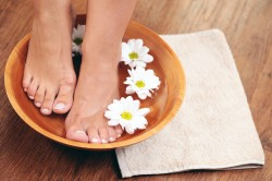 Лечебные ванночки для устранения трещин на пятках