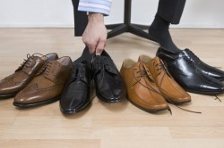 Неудобная обувь - одна из причин плоскостопия у взрослых