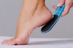 Пемза для лечения трещин на пятках