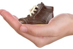 Ношение ортопедической обуви как метод лечения вальгусных стоп у ребенка