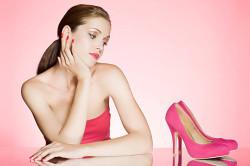 Неудобная обувь - причина огрубления кожи