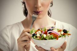 Правильное питание для профилактики трещин на пятках