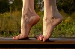Хождение на носочках при плоскостопии
