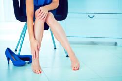 Тесная обувь - причина вросшего ногтя