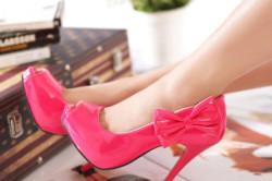 Неудобная обувь как причина вросшего ногтя