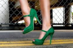 Неправильная обувь как причина бурсита большого пальца стопы