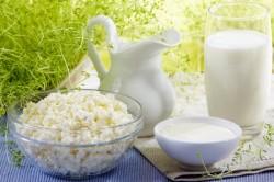 Кисломолочные продукты - важная составляющая профилактической диеты при солевых отложениях